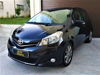 Toyota Yaris 1.4 D-4D S.+MM+P.T.+T.P.+P.Luxury (90cv) (5p)