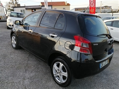 Toyota Yaris 1.4 D-4D Rock In Rio (90cv) (5p)