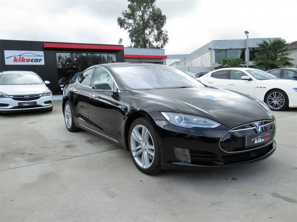 Tesla (Model.Model?.Description)
