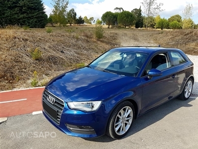 Audi A3 1.6 TDI Advance (105cv) (3p)