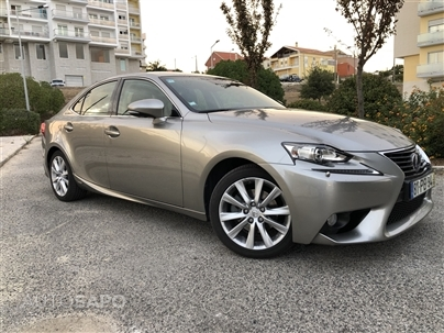 Lexus IS 300h Pack Executive+ (223cv) (4p)