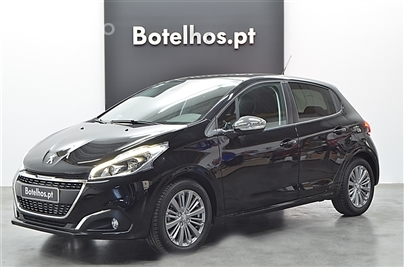 Peugeot 208 Signature 1.2 PURE TECH