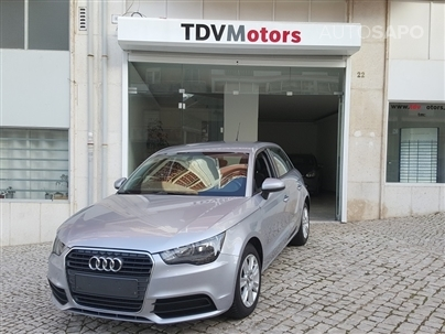 Audi A1 1.6 TDi Business Line (105cv) (5p)
