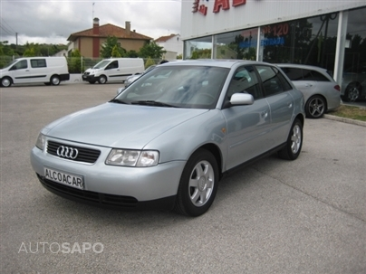 Audi A3 1.6 Attraction (101cv) (3p)