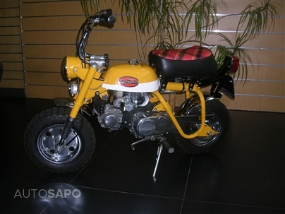 Honda Mini Trail (70cc) - Monkey