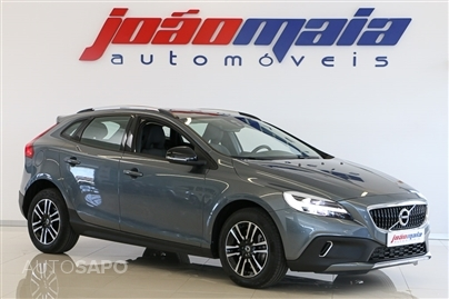 Volvo V40 Cross Country Plus D3 150 Cv (GPS/LEDs) (19.503 KMS)