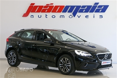 Volvo V40 Cross Country Plus D3 150 Cv (LEDs) (17.414 KMS)