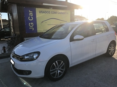 Volkswagen Golf 2.0 TDi BlueMotion Confortline DSG (140cv) (5p)