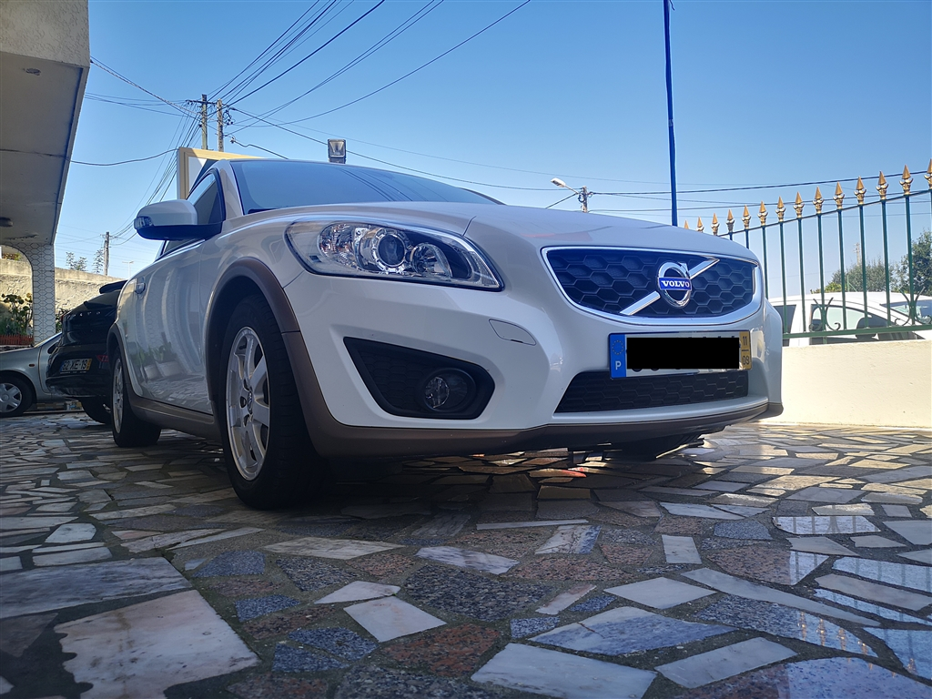 Volvo (Model.Model?.Description)