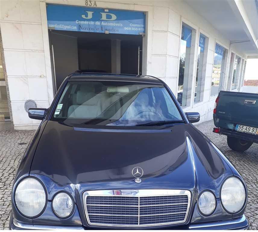 Mercedes-Benz Classe E 220 CDI Classic (125cv) (4p) (125cv