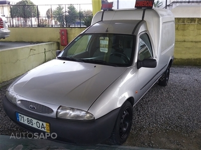 Ford Courier 1.8 TD (75cv) (3p)